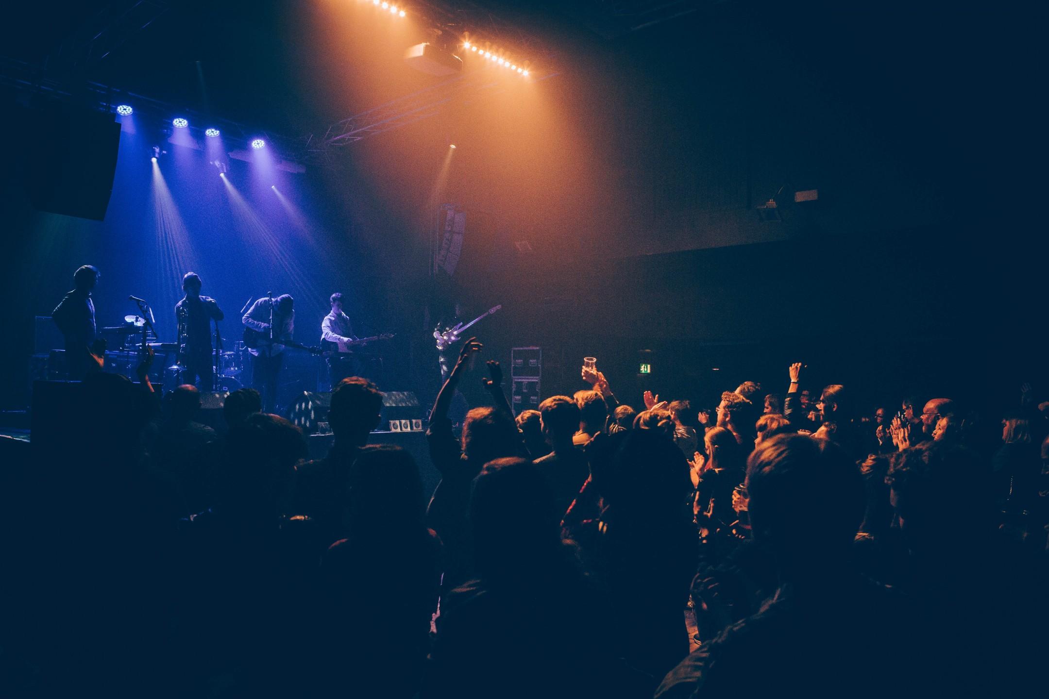 crowd-atmos-2